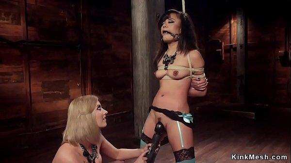 Blonde domme anal fucks tied up ebony